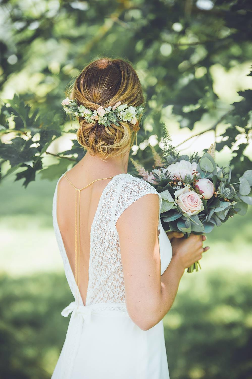 Inspiration mariage toulouse  jour du mariage dos nu bouquet fleurs
